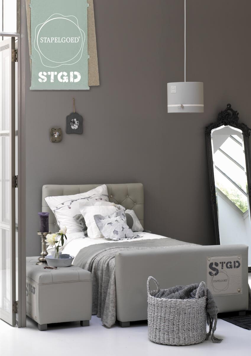 Stoere meidenkamer in grijstinten ik woon fijn - Idee deco slaapkamer tiener jongen ...