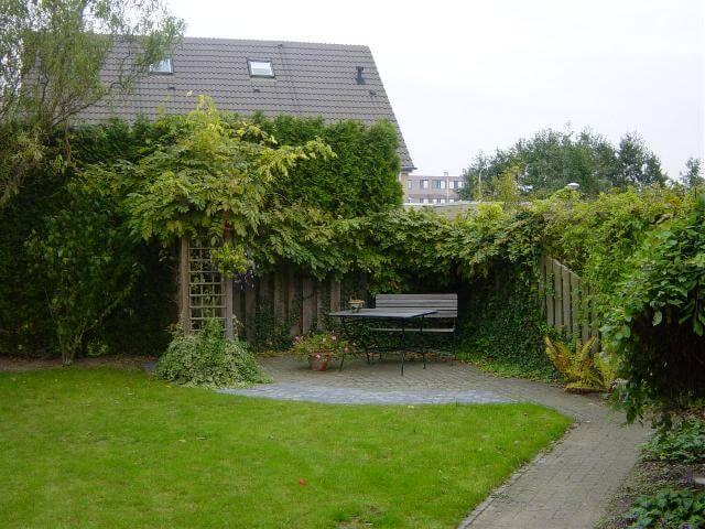 Voorbeeldtuin van een hollandse naar een oosterse tuin for Beneden tuin