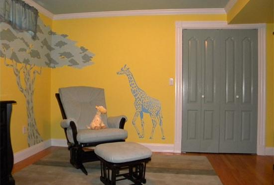 Babykamer inspiratie gele muur