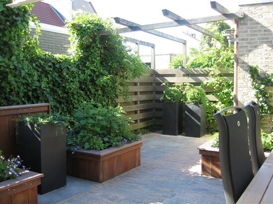 Kleine voorbeeldtuin for Voorbeeldtuinen kleine tuin