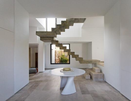 zig-zag-concrete-staircase-2