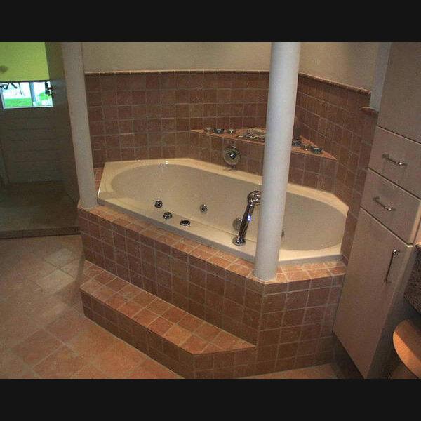 Badkamer Ideeen Met Mozaiek : Badkamer van natuursteen wat inspiratie ...