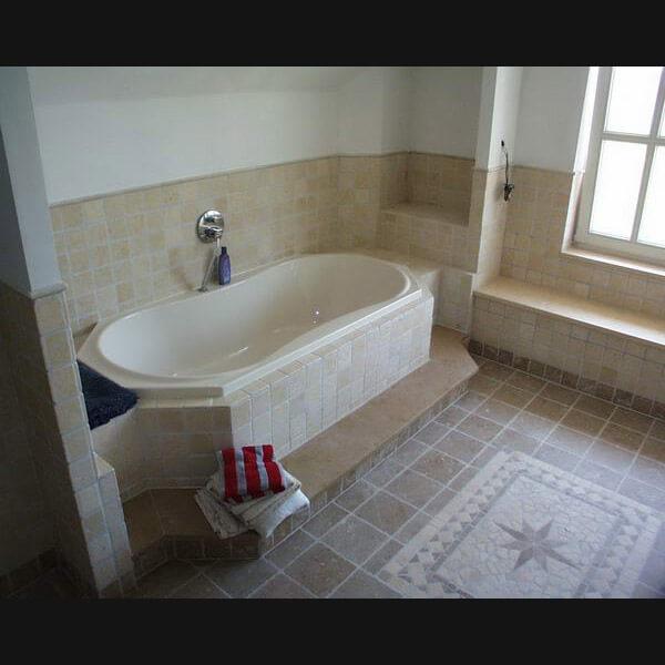 Badkamermeubel Kolomkast ~   badkamer van natuursteen? Wat inspiratie voor natuurstenen badkamers