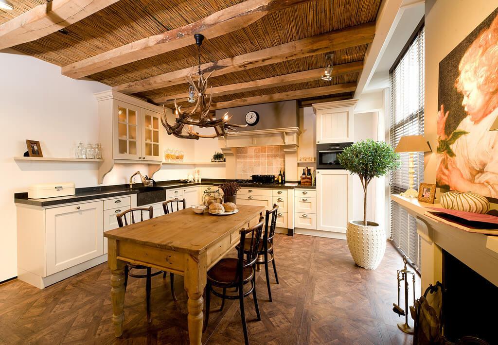 Landelijke Keuken Hout : Houten keukens zorgen voor een knusse en gezellige sfeer. Enkele