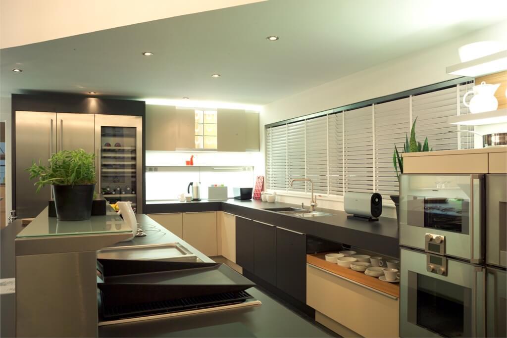 Raamdecoratie in keuken (2)
