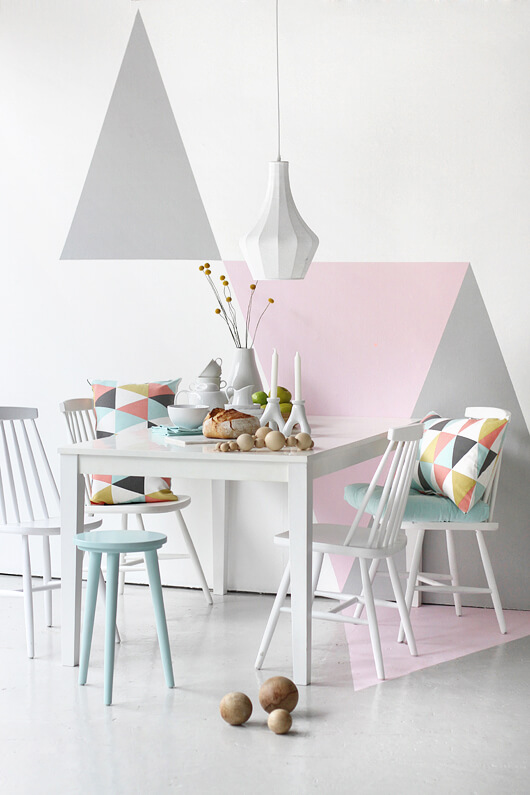 Woonkamer roze grijs : Ellos trendenser roze grijs geometrie Ik woon ...