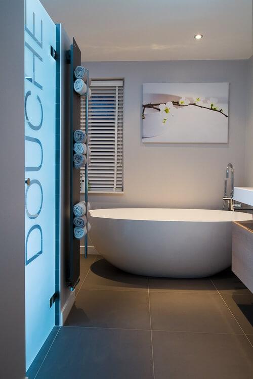 Douche en bad gezinsbadkamer