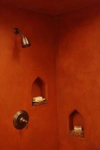 Tadelakt stucwerk in een badkamer