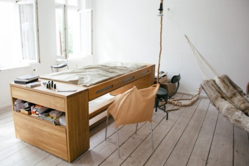 bed in werkkamer