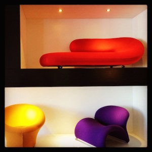 Chaise Longue Geoffrey HartcourtMushroom en Le Chat Pierre Paulin