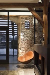 Woonboerderij-modern-oud-landelijk-bakstenenmuur