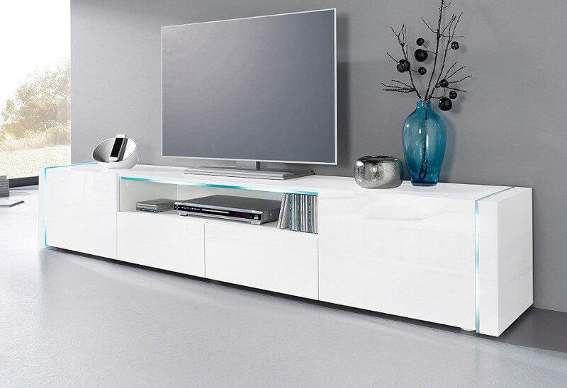 Een tv meubel in het hoogglans wit zowel functioneel als for Hoogglans wit tv meubel