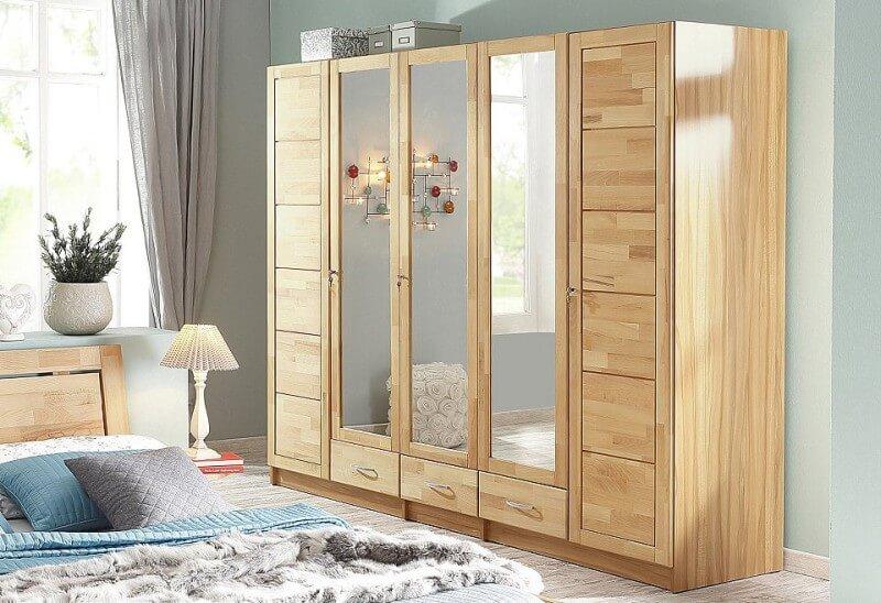 Massief houten kledingkast