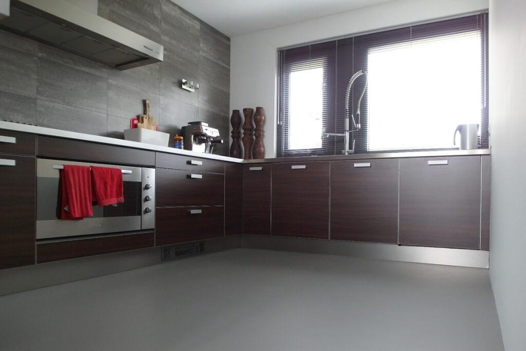 Gietvloer Kitchens Keuken : Gietvloer keuken interesting lichtgrijze gietvloer in keuken with
