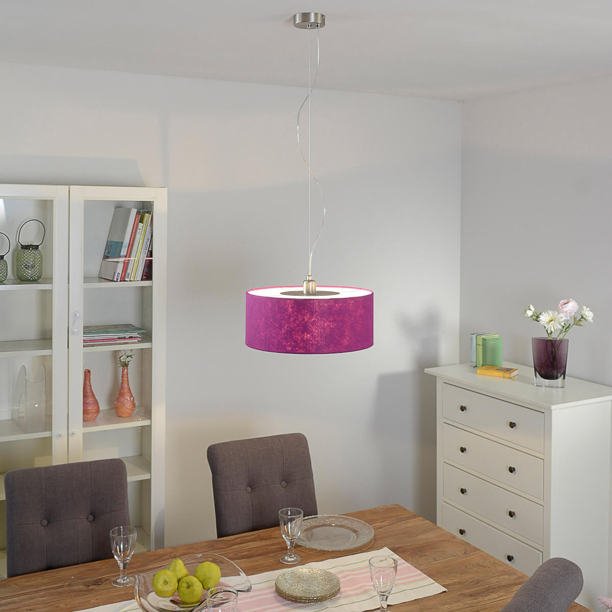 Paarse vilten hanglamp