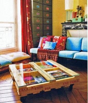 Elegante bijzettafel, voorzien van glasplaat - www.builddirect.com