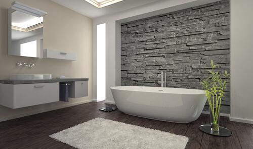 Natuursteen wandtegels in badkamer