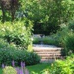 Hoogteverschillen / trap in de tuin