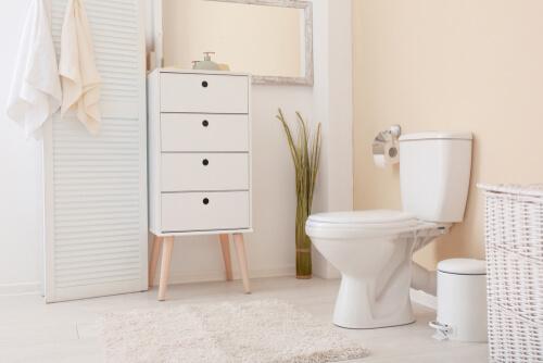 20. Kasten in de hoeken van de badkamer