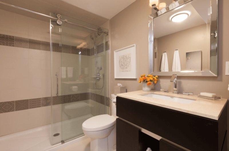 Kleine badkamer- eenheid