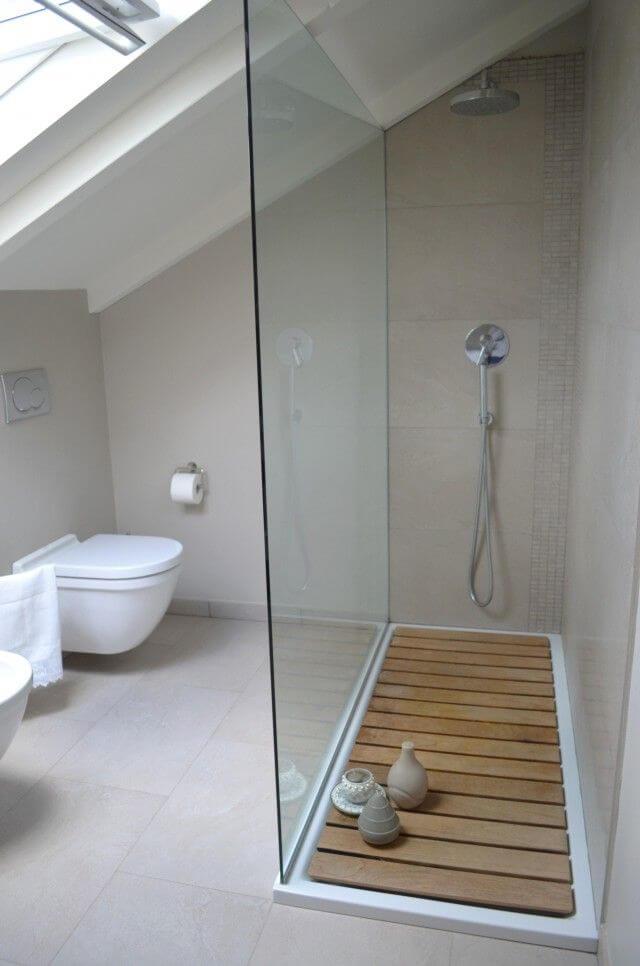 Kleine badkamer- gebruik glas