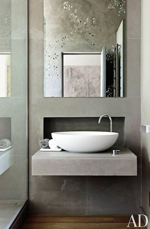 Kleine badkamer- grote tegels