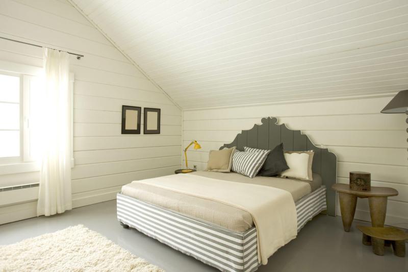 luxe slaapkamer inrichten met metalen bed kopen