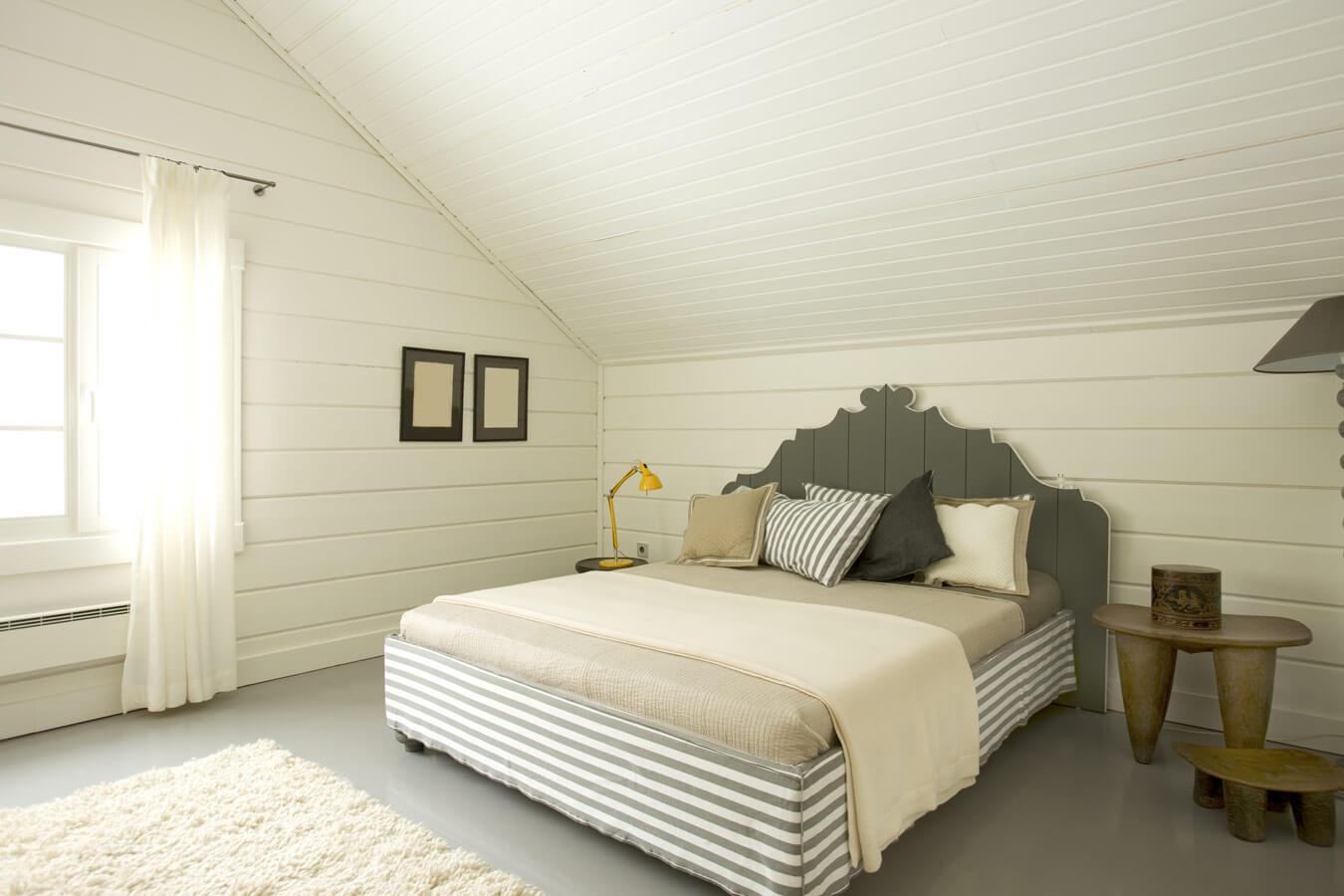 Landelijke slaapkamer idee n ik woon fijn - Slaapkamer met zichtbare balken ...
