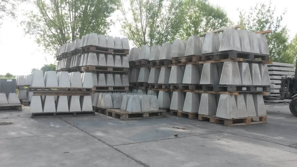 Overkapping - betonpoeren