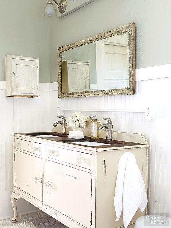 Badkamer Laten Betegelen ~ Ouderwetse of antieke meubels zijn kenmerkend voor de vintage stijl