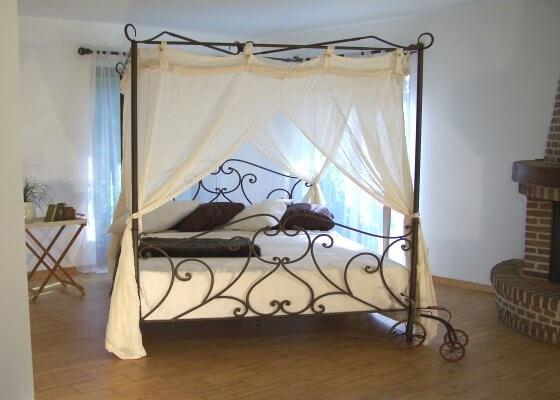 Grote slaapkamer - hemelbed