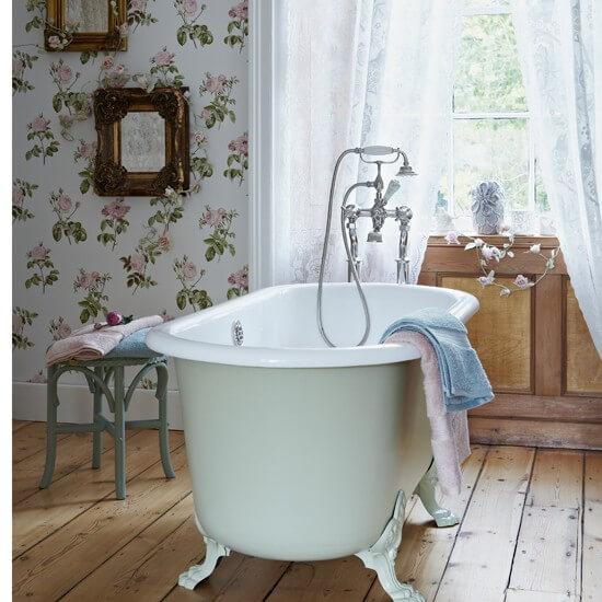 Houten vloer vintage badkamer