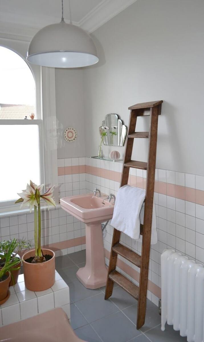 Kleine tegels, groot detail vintage badkamer