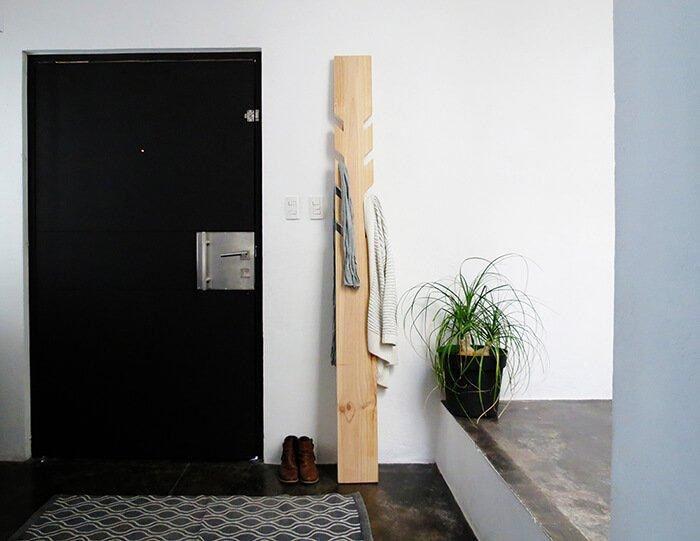 Kapstok van een plank