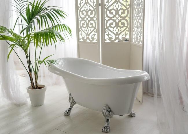 10. Vrijstaand bad op poten