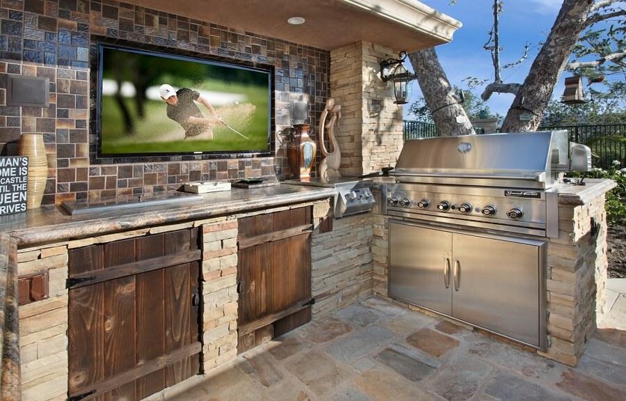 Buitenkeuken met tv