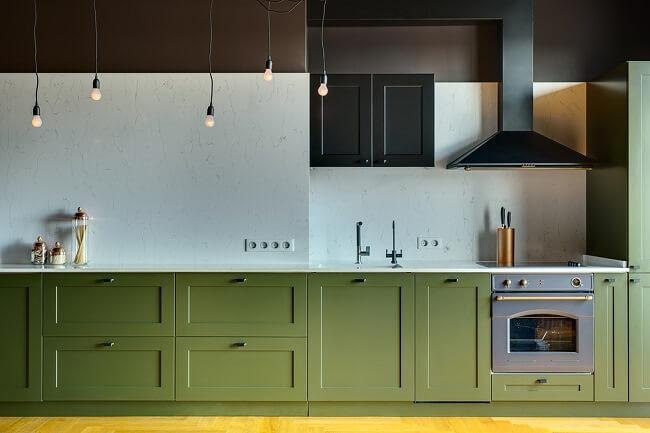 Groen rondom oven