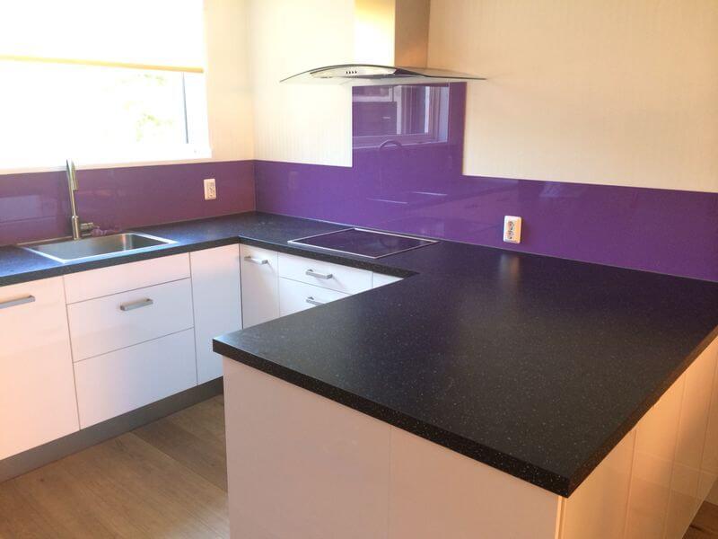Keuken achterwand paars