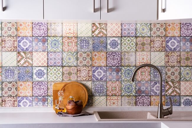 Keuken met ouderwetse tegels
