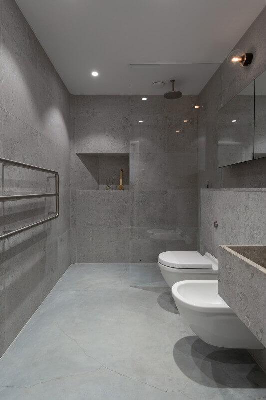 Kleine industriële badkamer