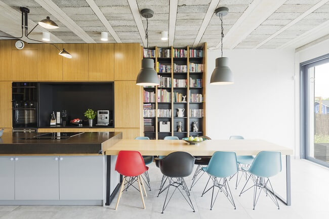Kleurrijk, beton en hout