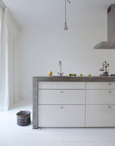 Beton in je keuken 20 prachtige voorbeelden ik woon fijn - Afbeelding moderne keuken ...