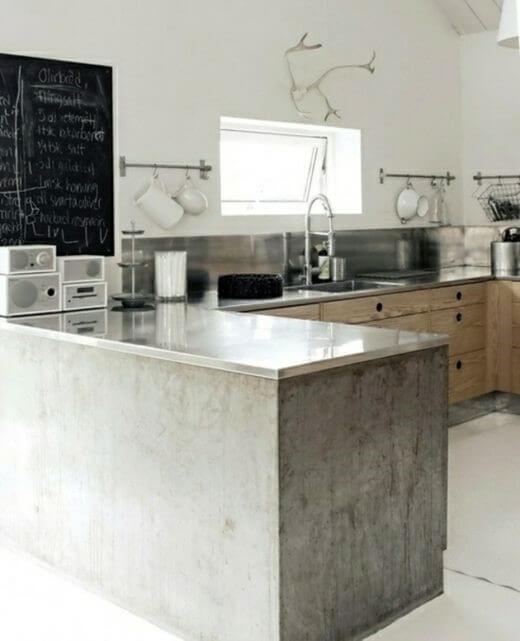 betonnen keuken met hout