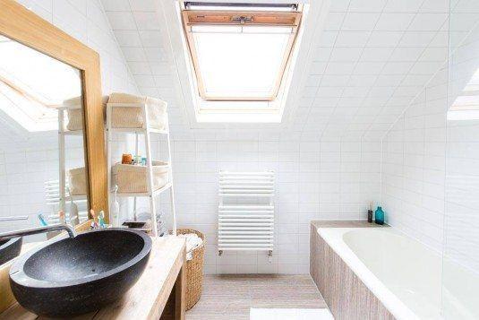 minimalistische scandinavische badkamer