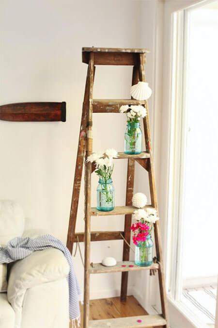 Houten ladder voor bloemen