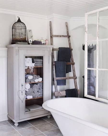 Houten ladder voor handdoeken