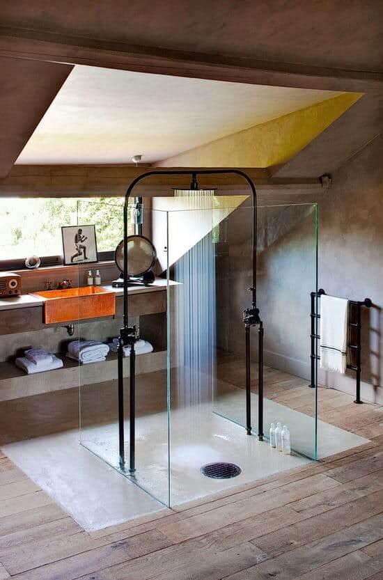 Prachtige industriële badkamer met inloopdouche