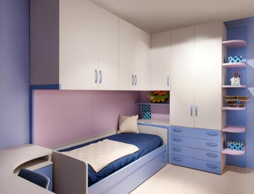 Veel kastruimte in kleine slaapkamer