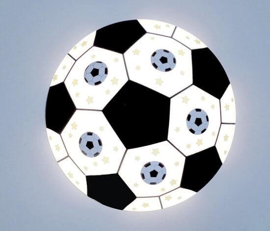 Voetbal lamp in kinderkamer