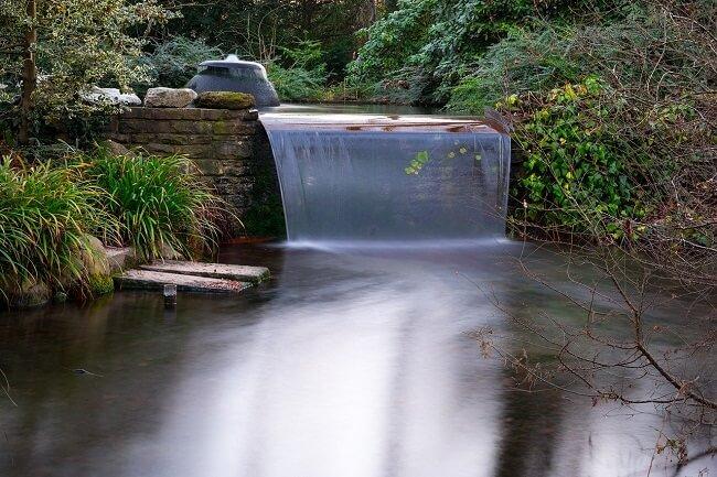Modern watervalletje